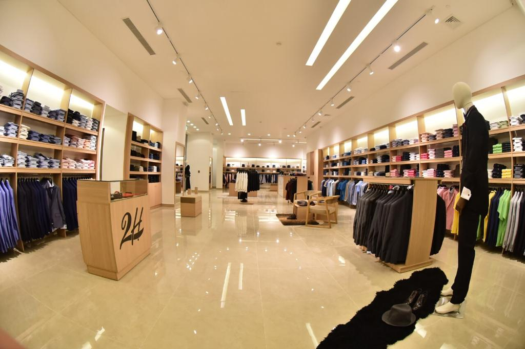 2H Stores - Centro Mall - Decoration Administration